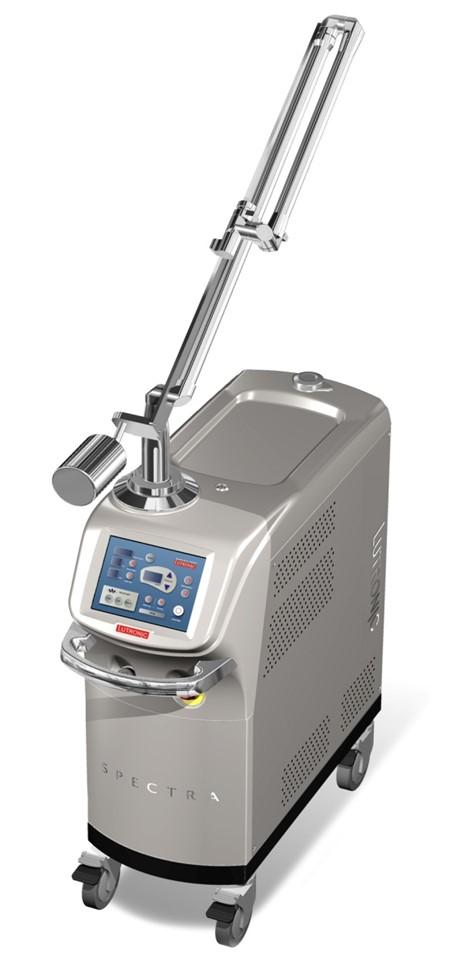 レーザー治療機器 Q-スイッチNd:YAGレーザー